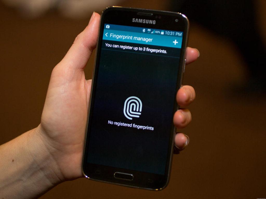 Esta aplicación ofrecería dos opciones de autentificación.